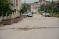 GÜZERGAH - Kartepe Ataevler Mahallesi'nde Kaldırım Düzenlemesi