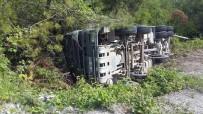 Kastamonu'da Beton Mikseri Şarampole Devrildi