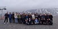 ERCIYES - Kayseri Safa Genç Ortam Derneği'nden Erciyes'te Anlamlı Çalışma