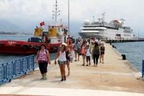 LÜBNAN - Lüks Gemiden İnen Turistlere Mehterli Karşılama