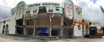 YIKIM ÇALIŞMALARI - Meydana Dönüştürülen Bursa Atatürk Stadyumu'nda Kapalı Tribün De Yıkılıyor