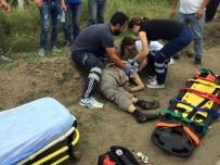 Motosiklet İle Minibüs Kafa Kafaya Çarpıştı Açıklaması 1 Ölü