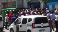 KAĞITHANE BELEDİYESİ - İstanbul'da kamyonet dehşeti: 1 ölü, 1 yaralı