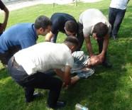 TAKSIM - Taksim Gezi Parkı'nda İbretlik Görüntü