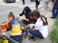 ŞEHİR İÇİ - Pazara Giderken Minibüs Çarptı