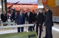 EĞİTİM UÇAĞI - Savunma Bakanı Işık Paris Havacılık Fuarında