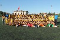 FUTBOL MAÇI - Sporcular Yaz Spor Okuluna Yoğun İlgi Gösteriyor
