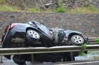 ŞİDDETLİ YAĞIŞ - Takla Atan Otomobil 40 Metre Sürüklendi