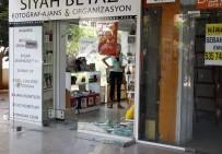 MESLEK LİSESİ - Antalya'da Liselilerin Kız Kavgası Açıklaması 2 Yaralı
