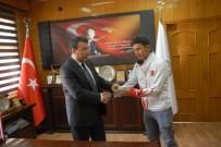 ALI KOÇAK - Başarılı Sporculardan Başkan Toksoy'a Ziyaret