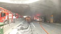 BEBEK ARABASI - İstanbul'da Korkutan Yangın