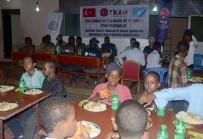 KİMSESİZ ÇOCUKLAR - TİKA'dan Somali'de Yetimlere İftar