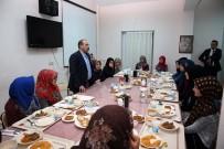 Vali İsmail Ustaoğlu, Kız İmam Hatip Lisesi Öğrencileriyle İftarda Buluştu