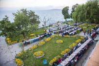 ZEKI ERGEZEN - Ahlat Belediyesinden İftar Yemeği