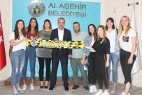 NİLÜFER - Alaşehirli 'Sarı Melekler' 8 Oyuncu İle Sözleşme İmzaladı