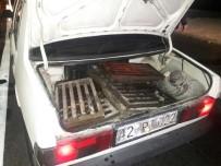 SÜRÜCÜ BELGESİ - Annesinin Otomobiliyle Rögar Kapağı Çalarken Yakalandı