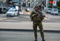 BRÜKSEL - Brüksel'de Canlı Bomba Yelekli Şüpheli Etkisiz Hale Getirildi