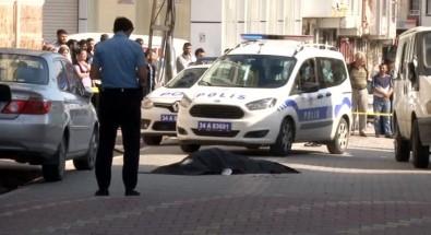 İstanbul'da sokak ortasında dehşet! 2 ölü