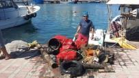 ARABA LASTİĞİ - Güllük Plajında Denizden Çıkanlar Şaşırttı