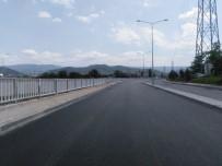 İSTİNAT DUVARI - Hisar Deresi Kavşağı'nda Asfalt Çalışmaları Yapıldı