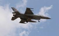 İNCIRLIK - İncirlik'te F-16 Ve Tanker Uçağı Trafiği