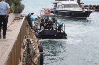 ADLİ TIP KURUMU - Karaköy'de Denizde Ceset Şoku