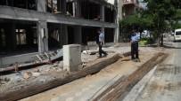 KALDIRIM İŞGALİ - Manisa Büyükşehir Zabıtası Bayramda Da Görev Başında