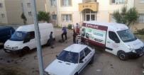 PAZARCI - Panelvan Minibüsün Lastikleri Kesildi
