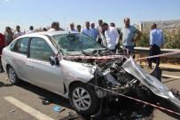 ZİNCİRLEME KAZA - Yakılan Anızın Dumanı Zincirleme Kazaya Neden Oldu Açıklaması 2 Ölü, 3 Yaralı