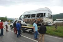 Yolcu Minibüsü Şarampole Devrildi Açıklaması 9 Yaralı