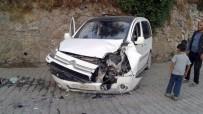 AKREP - Zırhlı Araç İle Otomobille Çarpıştı Açıklaması 3 Yaralı