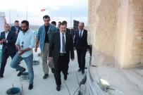 Bakan Eroğlu, Zeynel Bey Türbesi'nde İftarını Açtı