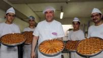DUBAI - Baklavacıların bayram mesaisi
