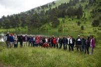 Gümüşhaneli Dağcılardan Altınpınar Limni Gölünde Geleneksel İftar Programı