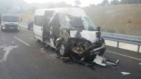 İşçi Minibüsü Tıra Arkadan Çarptı Açıklaması 2'Si Bebek 18 Yaralı
