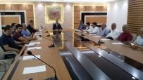 VERGİ DAİRESİ - Kayısı İhracatçıları Vali Toprak'ın Başkanlığında Toplandı
