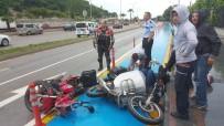ATATÜRK BULVARI - Samsun'da Motosikletler Kafa Kafaya Çarpıştı Açıklaması 1 Yaralı