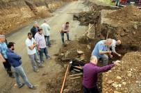 YOL ÇALIŞMASI - Samsun'da Yol Çalışmasında 2 Tarihi Mezar Bulundu