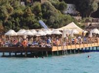 Tatilciler Bodrum'a Gelmeye Başladı
