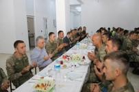 VALİ YARDIMCISI - Vali Toprak Askeri Personelle İftar Yaptı