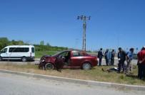 Adilcevaz'da İki Otomobil Kafa Kafaya Çarpıştı Açıklaması 2 Yaralı