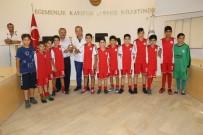 BİSİKLET - Burhaniye'de Başkan Uysal Küçük Şampiyonlara Kupa Verdi