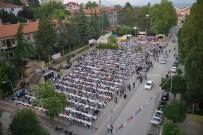 PATLAMIŞ MISIR - Cumhuriyet Mahallesi'nde Binlerce Kişi Hep Birlikte Oruç Açtı