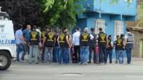 KARACADAĞ - Diyarbakır'da Arazi Kavgası Kanlı Bitti Açıklaması 3 Yaralı