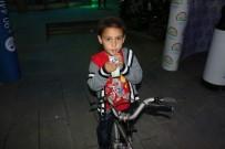 MURAT ŞAHIN - Erzincan'da Kadir Gecesinde Süt Dağıtımı Yapıldı
