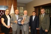 SAĞLIK OCAĞI - Gazi Üniversitesi Tıp Fakültesi'nden Başkan Yaşar'a Teşekkür Plaketi