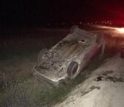 TİCARİ ARAÇ - Hafif Ticari Araç Takla Attı Açıklaması 3 Yaralı
