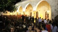 Hatay'da Habib-İ Neccar'da Kadir Gecesi Coşkusu