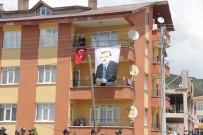 Kılıçdaroğlu'na Rabia İşaretli Karşılama