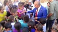 BEBEK - Kilis'te Bayram Öncesi Çocuklara Oyuncak Bebek Dağıtıldı